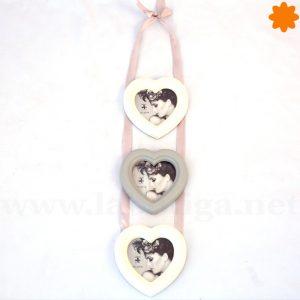 3 Marcos de corazón unidos por cuerdas para colgar en la pared
