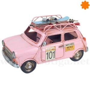Coche de rally rosa para decorar fabricado en metal