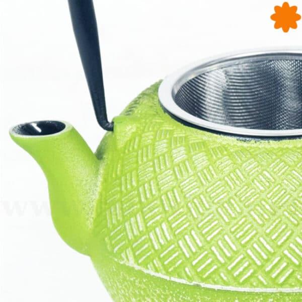 Divertida tetera de color verde pistacho ideal para regalar
