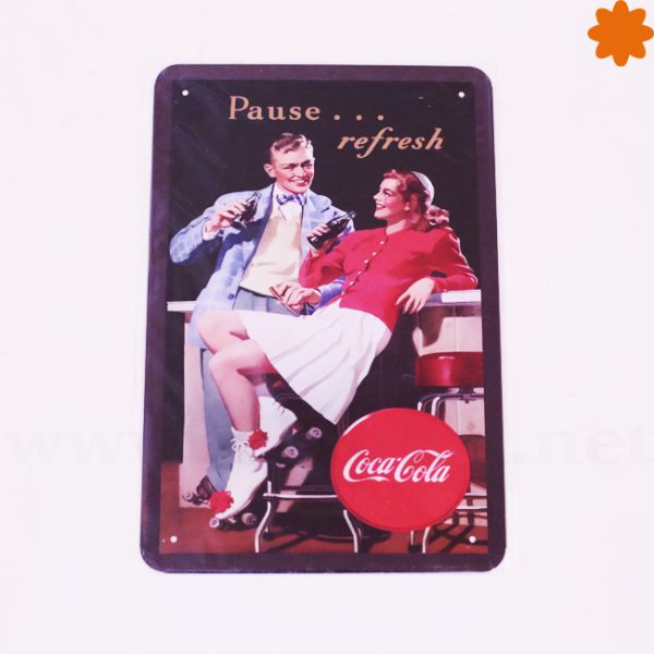 Placa metálica retro Coca Cola Play refreshed
