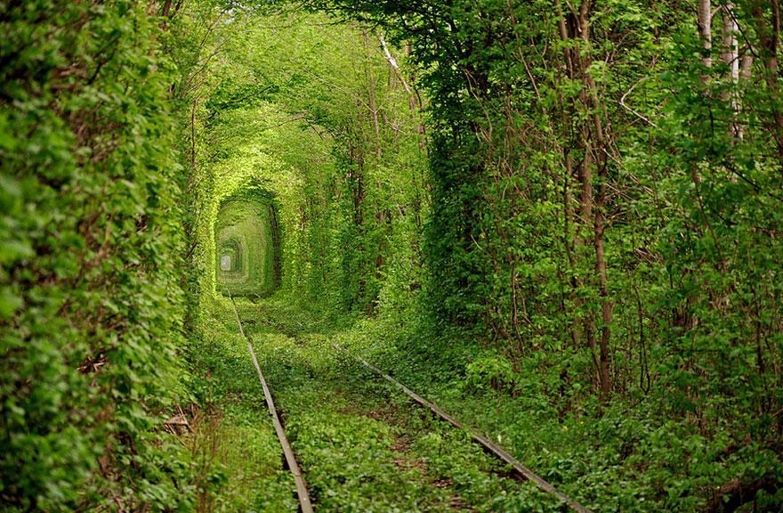 tunel del amor en ucrania