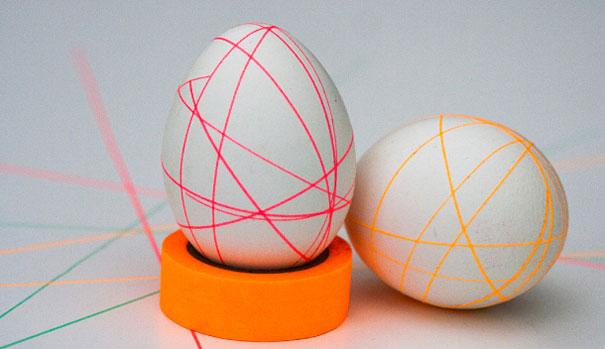 huevos con cintas recortadas