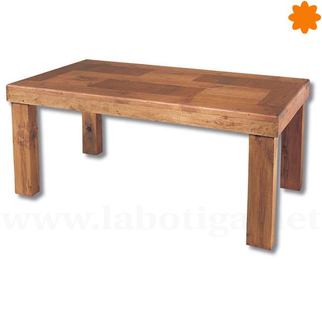 Gran mesa maciza de madera ideal para el centro del comedor tamaño 8 comensales