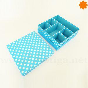 Joyero de cartón con forma de caja de colores azul y blanco
