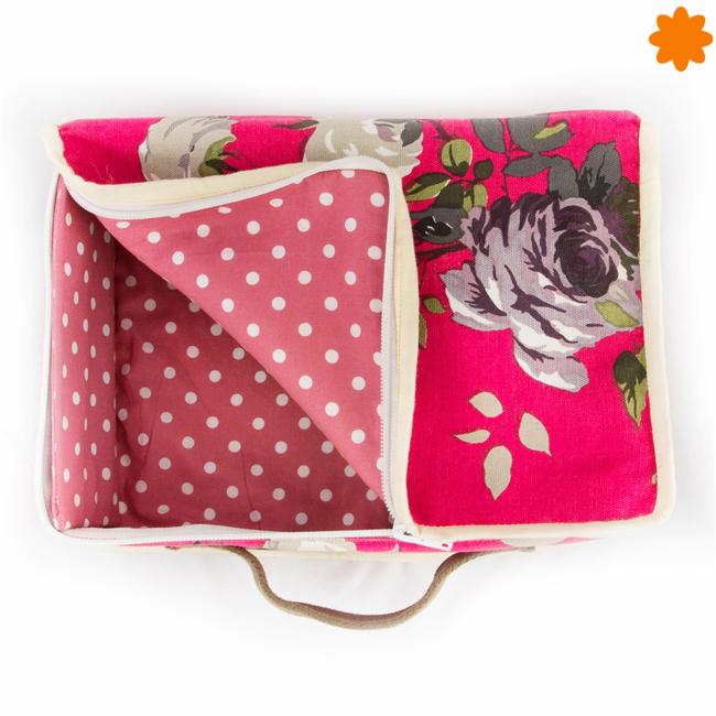 Bolsa de tela con forma de maleta de flores blancas