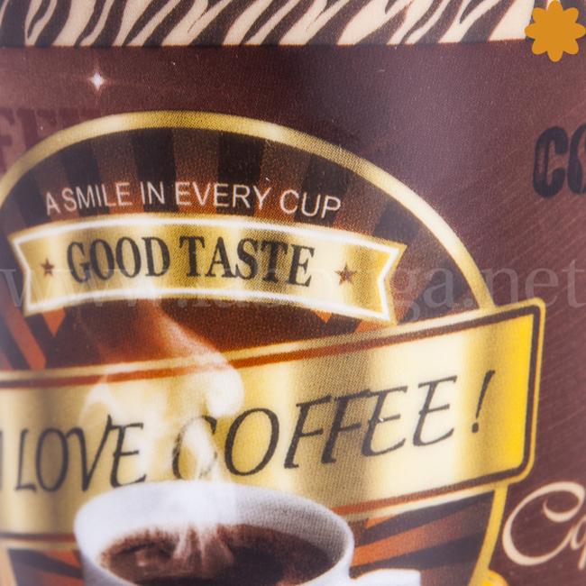 Taza decorada con un cafe