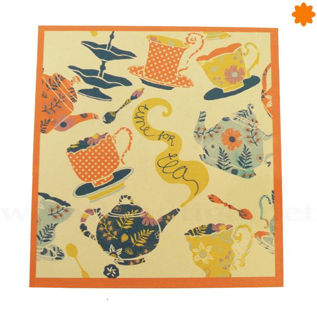 Caja decorada con teteras para guardar el té