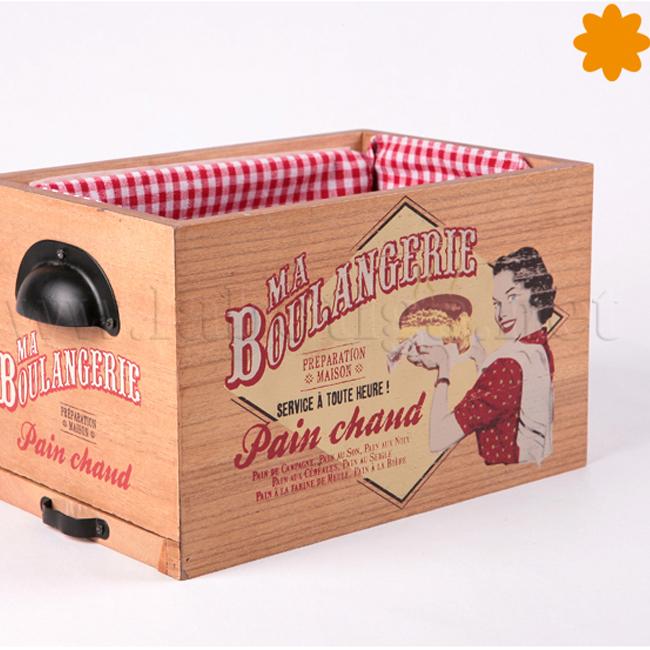 Caja para guardar y cortar el pan