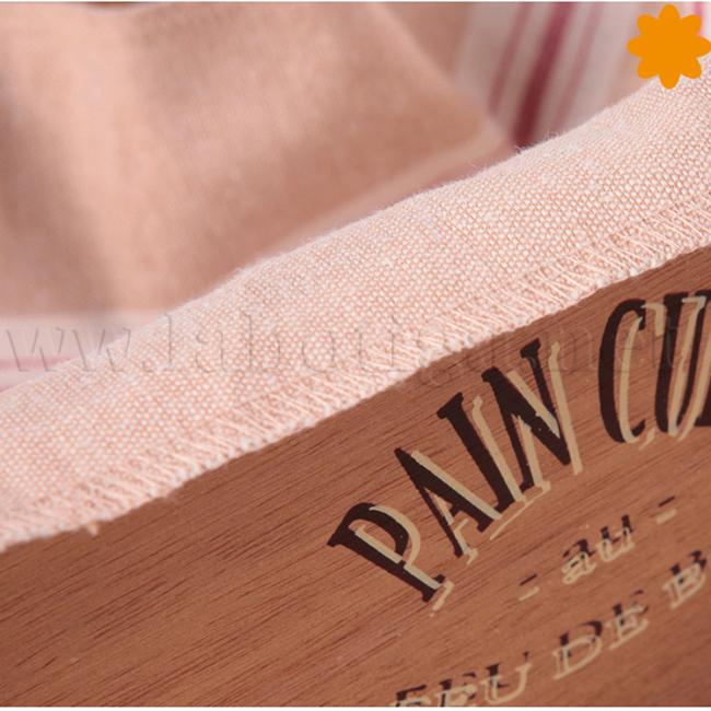 Caja de madera para guardar el pan