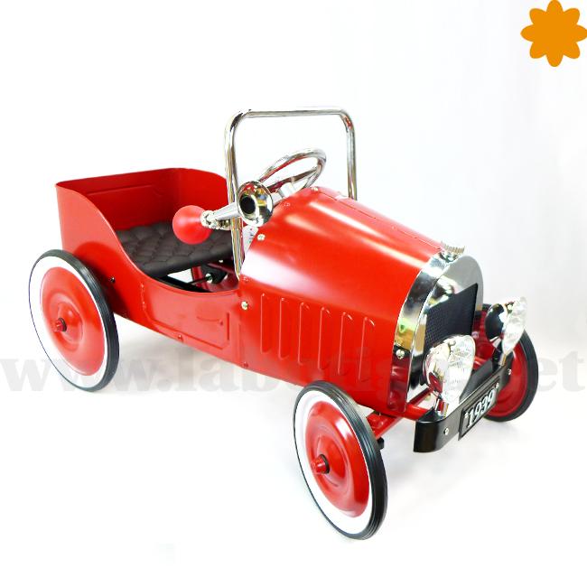coche de pedales de metal