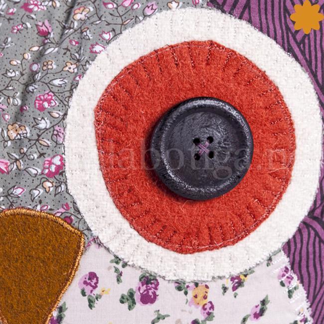 Cojín búho lila con decoración patchwork
