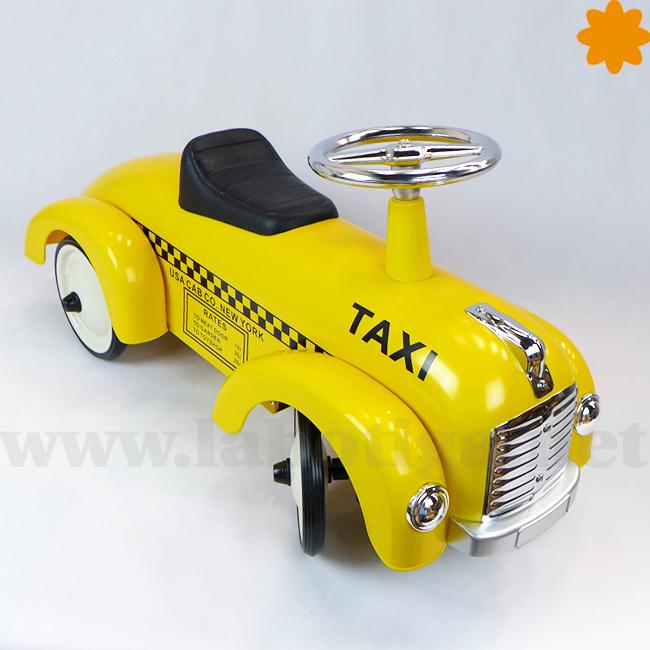 Taxi de New York estilo retro que es un andador para niños