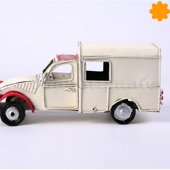 Figura de metal camioneta Citroen 2cv rústica