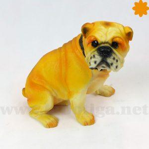 figura de perro de la raza pug