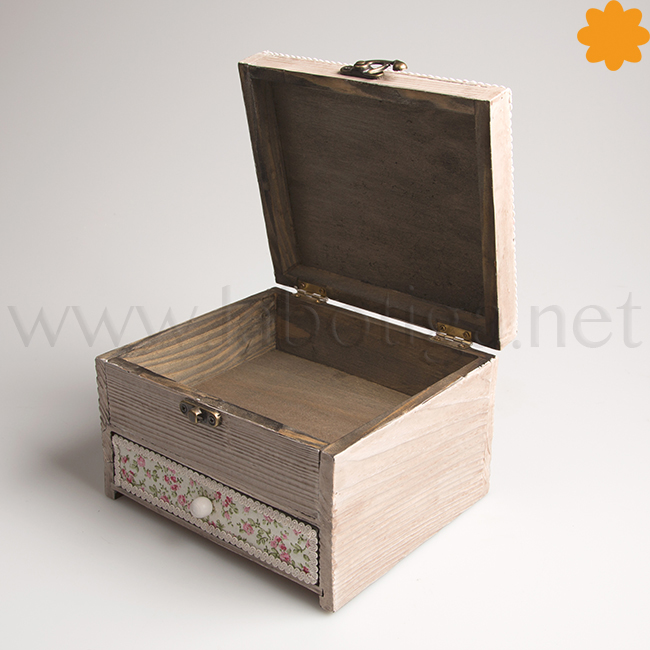 Joyero caja rústica decorada con flores estilo vintage