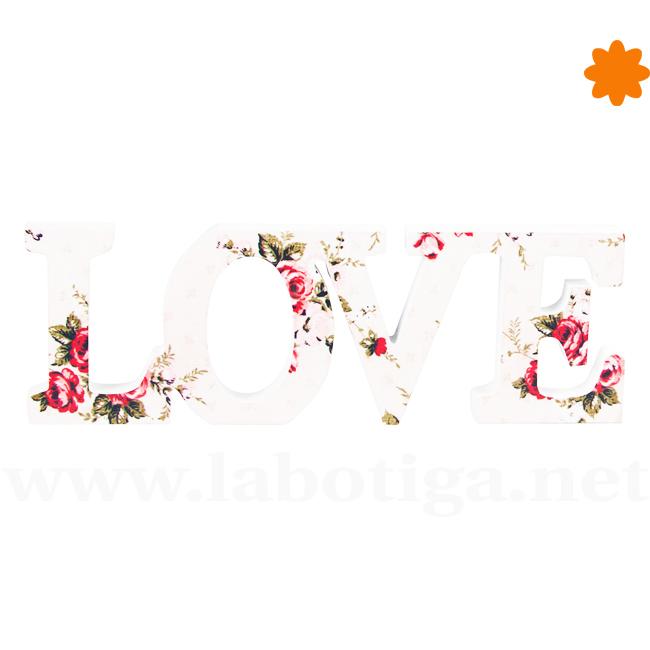 LOVE letras de madera con textura floral para decorar