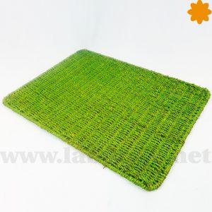 mantel individual verde pistacho realizado con mimbre