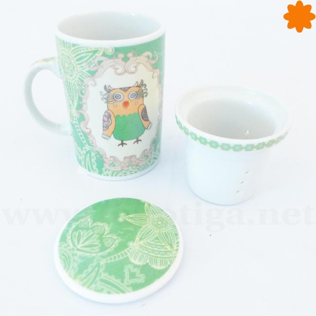 Taza con filtro para el té de porcelana de color verde y blanco