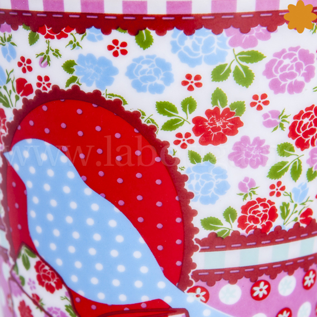 Taza decorada con flores
