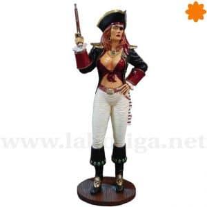 Capitana pirata armada con pistola