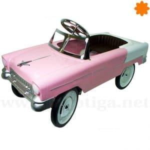 Chevrolet del 55 de color rosa versión coche de pedales