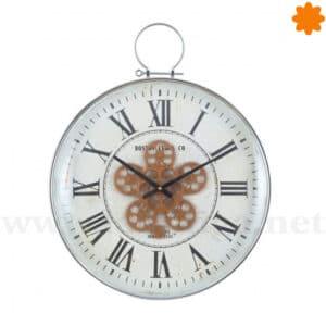 Reloj blanco para colgar en la pared con mecanismos en movimiento