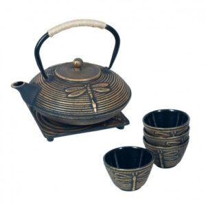 Set de tetera, vasos y salvamantel de hierro colado color negro dorado